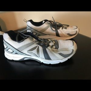 Reebok running shoes - size 9 19fee0eb7